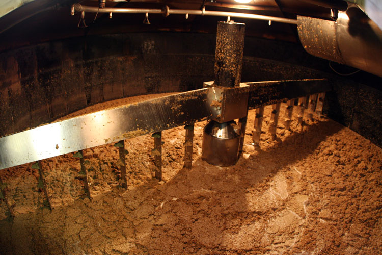 Pulteney Distillery - Whisky Mash, Wikimedia Commons - Autor: Erik Charlton